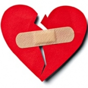 5 Bước Giúp Vượt Qua Cảm Giác Bất An Trong Tình Yêu