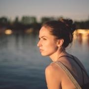 12 Dấu Hiệu Cơ Thể Bạn Thiếu Hụt Estrogen Và Cách Chữa Trị Tự Nhiên